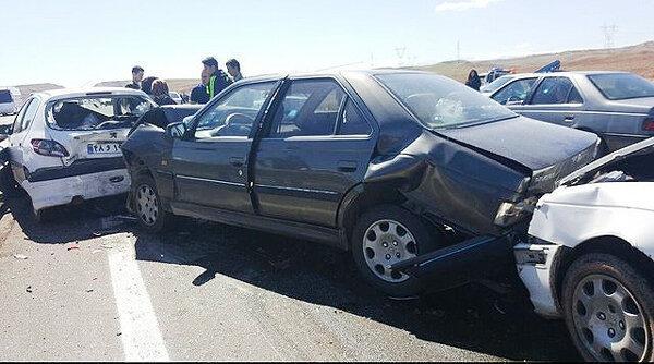 تصادف زنجیره ای در جاده چالوس با 11 مجروح