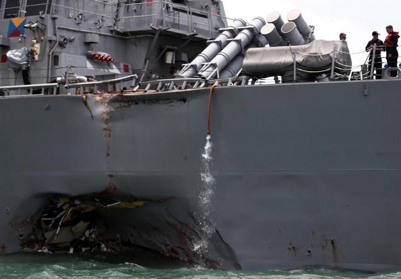 برخورد یک ناوشکن آمریکا با یک نفتکش با 10 مفقود