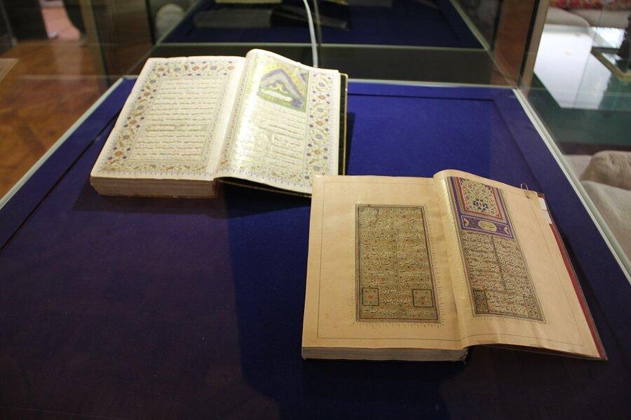 نمایش 2 نسخه خطی دیوان حافظ در موزه کتابخانه اختصاصی مجموعه نیاوران