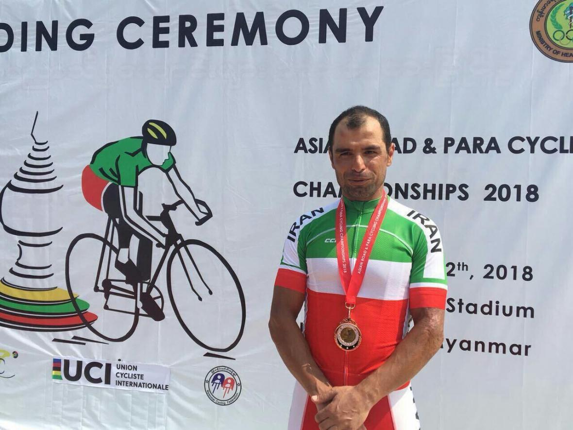 خبرنگاران تمرین در خانه سهم قهرمان دوچرخه سواری دنیا در مبارزه با کرونا