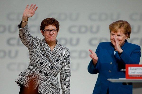 مرکل: در انتخاب رهبر جدید حزب دموکرات مسیحی دخالت نمی کنم