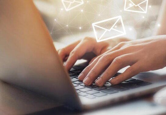 ایمیل ها را با احتیاط باز کنید