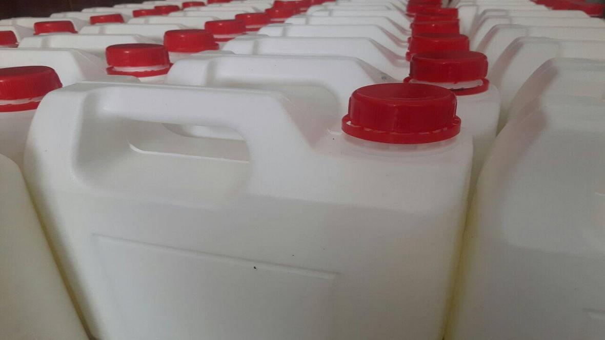 تهیه و تحویل آب ژاول به شبکه بهداشت و درمان بروجن
