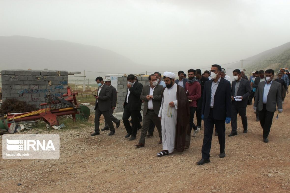 خبرنگاران 226 واحد مسکونی روستای سیل زده چم شیر به بانک معرفی گردید