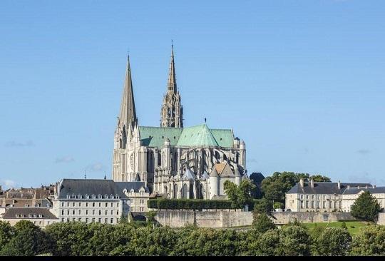 کرونا ، به صدا در آمدن ناقوس کلیساها در فرانسه