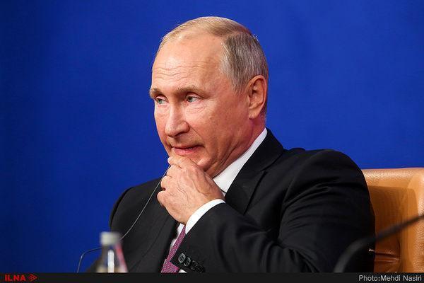 پوتین: آماده همکاری برای کاهش فراوری نفت هستیم