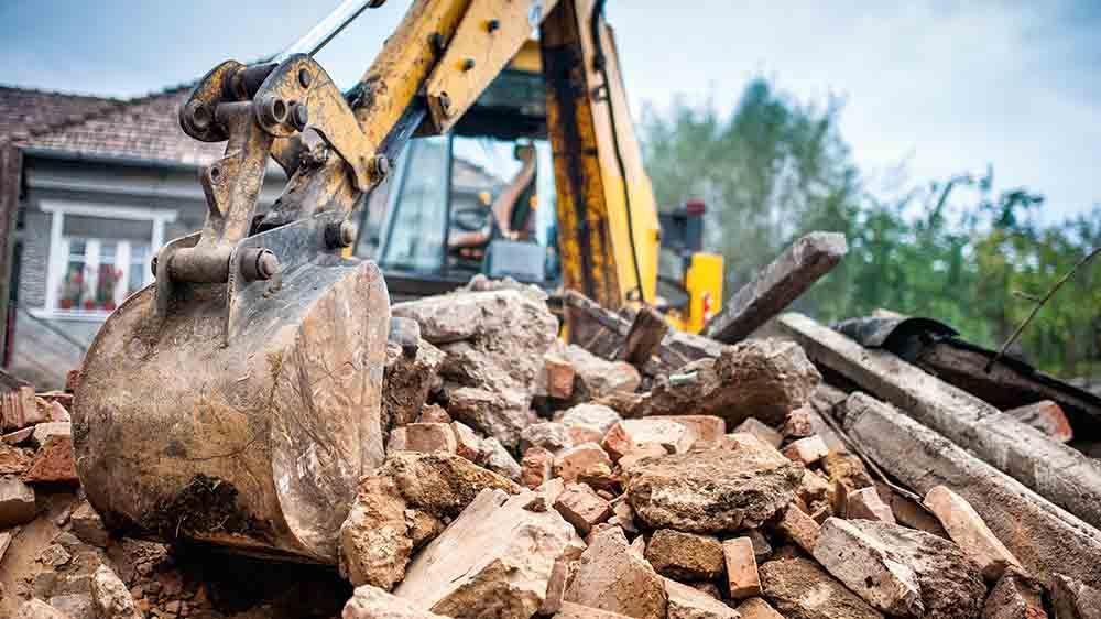 تخریب ساختمان یا بازسازی