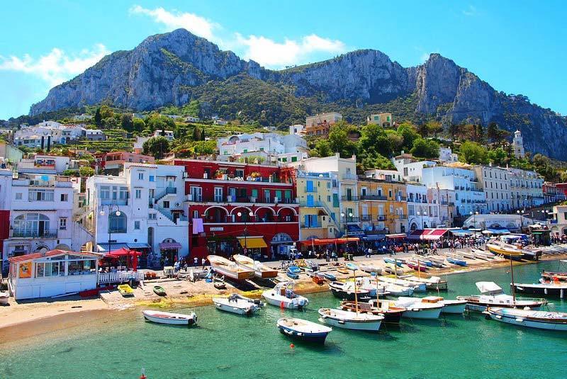 جزیره کاپری ایتالیا آشنایی با یکی از خیره کننده ترین جزیره های ایتالیا