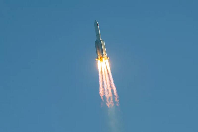 راکت جدید چین با موفقیت پرتاب شد