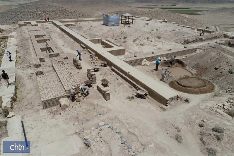 بقایای معماری تل تخت در مجموعه میراث جهانی پاسارگاد ساماندهی و حفاظت می گردد