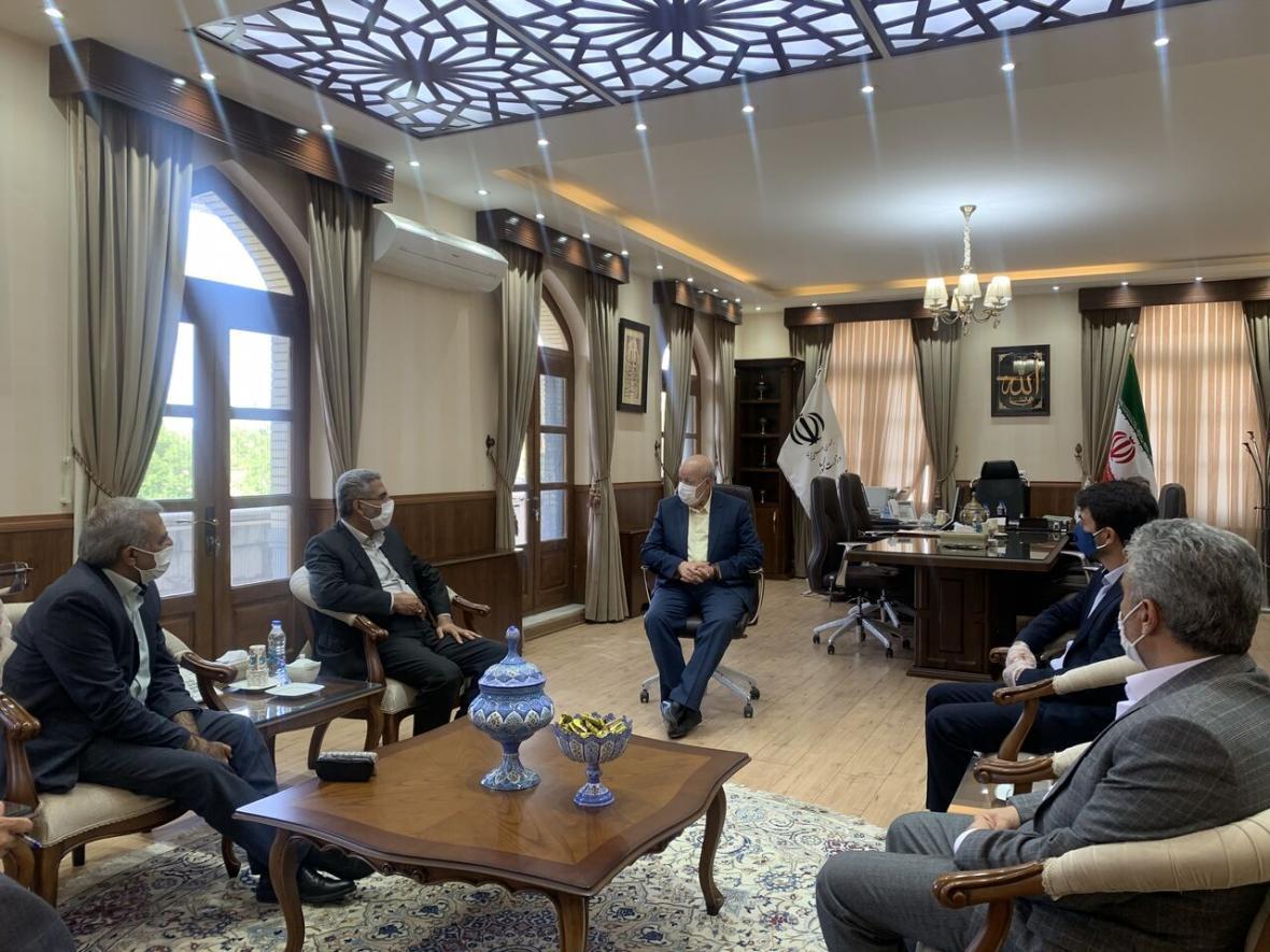 خبرنگاران 50 درصد خانوار محروم استان اصفهان زیر پوشش کمیته امداد و بهزیستی هستند