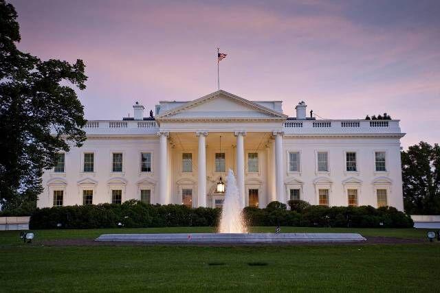 خبرنگاران ان بی سی : ترس در کاخ سفید ، 24 ساعت آینده برای مدیریت آمریکا حیاتی است