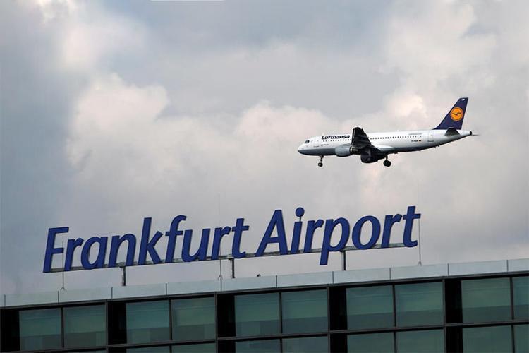 فرودگاه فرانکفورت برای ارسال میلیارد ها واکسن کرونا آماده می گردد