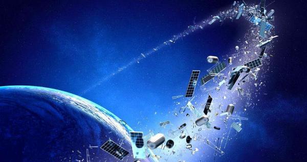 باران زباله های فضایی در راه زمین