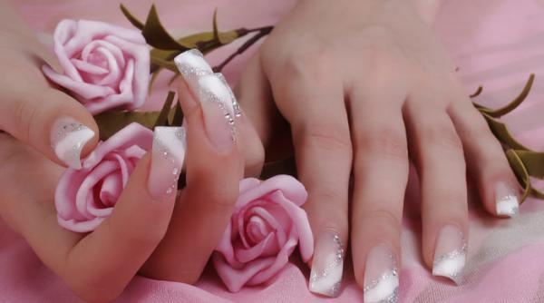 بهترین مدل ها و طرح های ناخن مصنوعی عروس