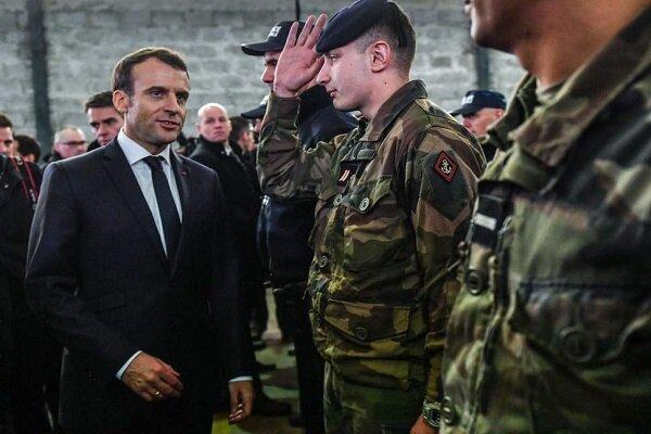 هشدار ژنرال های بازنشسته به ماکرون سبب خشم سیاسی در فرانسه شد