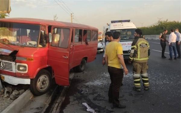 7 نفر در تصادفی در بزرگراه آزادگان مصدوم شدند