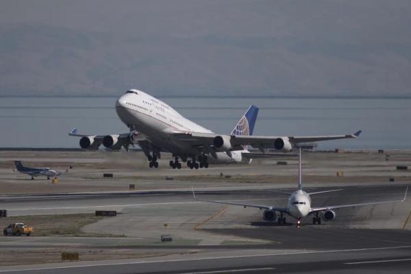 7 راه کاهش استرس هنگام پرواز ، رزرو آنلاین بلیط هواپیما